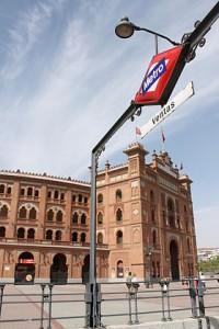 280px-Metro_de_Madrid_-_Ventas_01